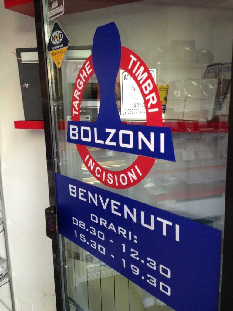 Vetrofrania Bolzoni, adesivo